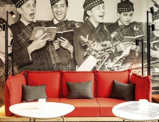 Wondering where to stay in Edinburgh that's both affordable and convenient for exploring all that this beautiful city has to offer? Check out the best hotel situated right off of The Royal Mile!