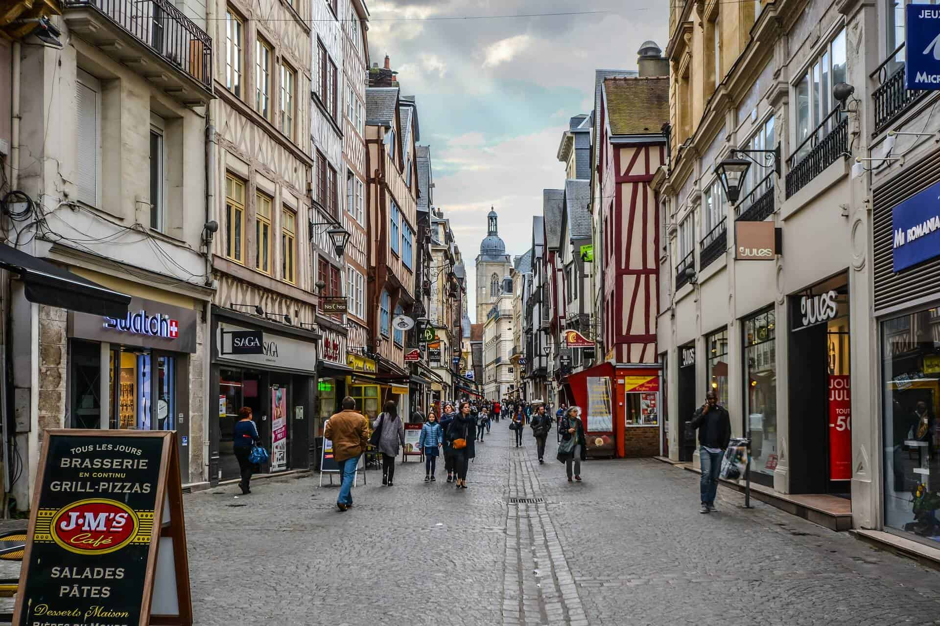 Looking for some day trips from Paris to make a quick escape from the hustle and bustle of the city? Check out 15 of the easiest day trips from Paris in our brand new guide! #france #paris #daytrips #europe #travel